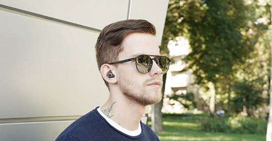 TWS pair-to-ear translation headphones, take you into the era of intelligent interaction